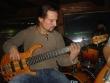 basgitarista Peter Kadera